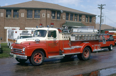 ORANGEVILLE FPD  ENGINE 2  1951  IHC - JOHN BEAN   70-500   1977  MONROE FIRE SCHOOL