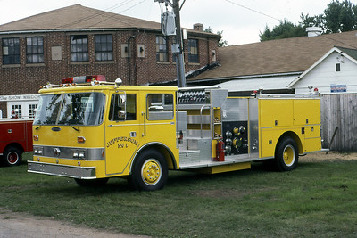 JEFFERSON FD WI  ENGINE 1  PIERCE ARROW (O)   1981  MONROE FIRE SCHOOL