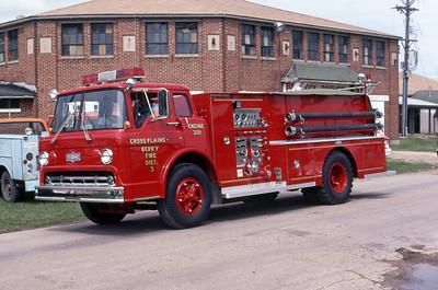 1981  MONROE FIRE SCHOOL  CROSS PLAINS - BERRY FIRE DISTRICT  ENGINE 3  FORD C - PIRSCH     JDS PHOTO