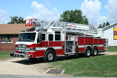PIERCE STOCK VELOCITY LADDER  2008 MONROE FIRE SCHOOL