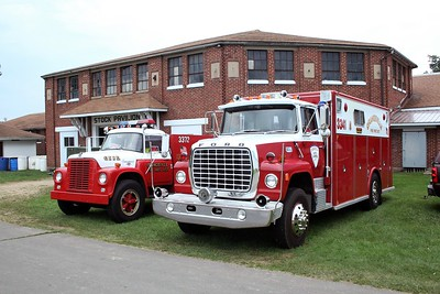 ORANGEVILLE FPD TANKER 3372 AND SQUAD 3314  AT MONROE FIRE SCHOOL  2009