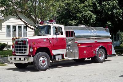 MONROE FIRE SCHOOL  TANKER  FORD L - 4-GUYS