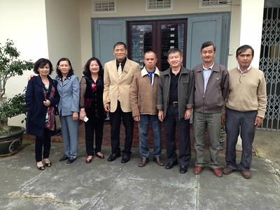 Cúc,Thu,Dung,thầy Phan Nam,Thanh,Cường,Hùng,Hưng