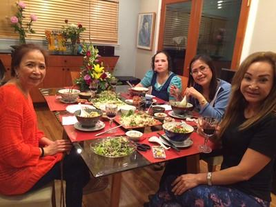trái: Đỗ Hồng. phải: Đỗ Mùi, Sonia Thanh Thủy, Phan Kim Ánh Thu