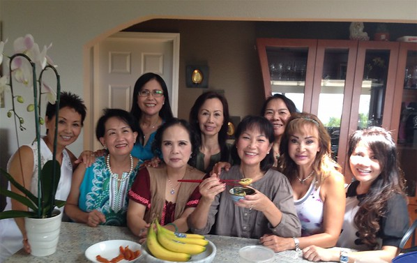 Ngồi: Băng Thanh(1),Ánh Thu(3), Cung(4), Mùi(5).  đứng:  Sonia Thanh Thuỷ(1), Minh Trang SJ (2)