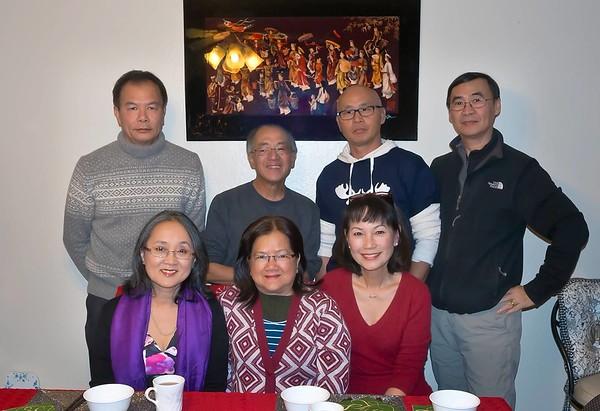 ngồi: Thuý Hoa(TVS), Kim Hiền, Đặng Thị Cung.  đứng: Trần Liên, Sơn, Trần Quốc Lăng, Trần Văn Sanh
