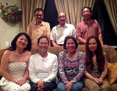 ngồi: Nguyễn Thị Minh Trang-Ngân Hà, Mai Thanh, Phi Nga, Thu Thuỷ - đứng: Nguyễn Hoàng Sơn, Võ Hoàng Đa, Huỳnh Quốc  Hùng