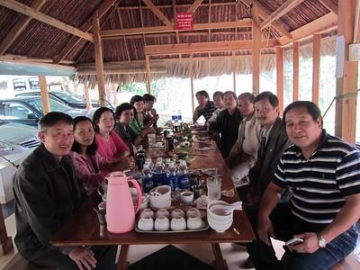 trái:Cường, Thu, Xuân Dung, Thu Cúc, Thành, Trung. phải: Nguyễn Văn Châu, Hùng,  Đồng...