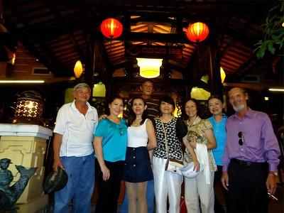 trước: Dương Quang Phước, Trần Ngọc Trang (VN), HMS, Tống Thị Tín, Nguyễn Thị Quang, Nguyên Nhung, Mạch Sĩ - sau: Lê Thái Bình