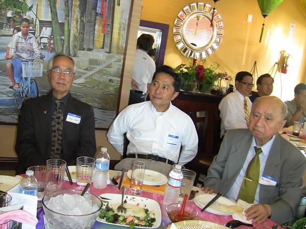 Ông Phan Nghè, luật sư Tâm, bs Luyện