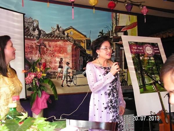 Nữ sĩ Kiều Loan ngâm thơ của cô Vi Khuê - CBA