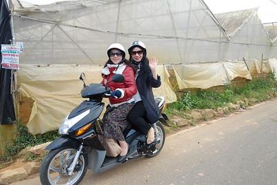 Nguyễn Thị Tuyết,Nhất Anh