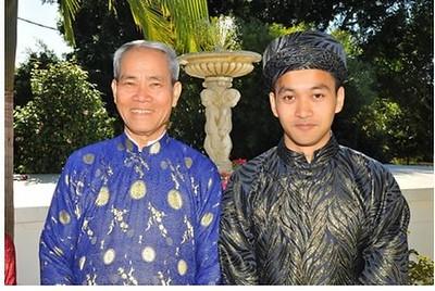 Thầy Hoàng Khôi và con trai