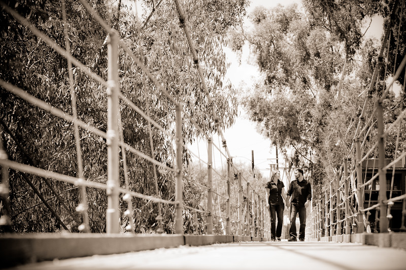 0004-110423_Gwen-Tom-Engagement-©8twenty8_Studios