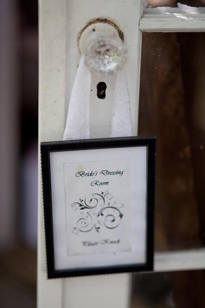 0001-110820_natasha-rob-wedding-©828studios-619 399 7822