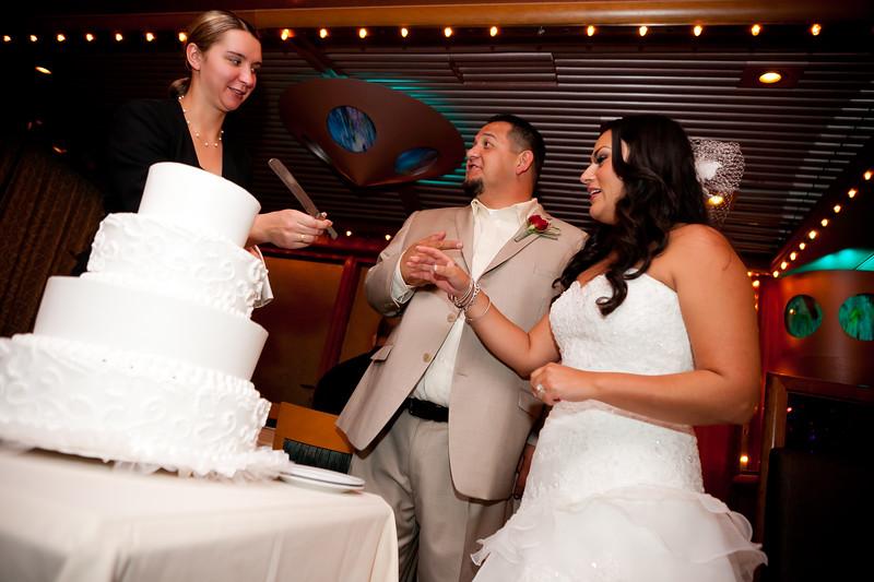 0711-111029-veronica-enrique-wedding-©8twenty8_Studios