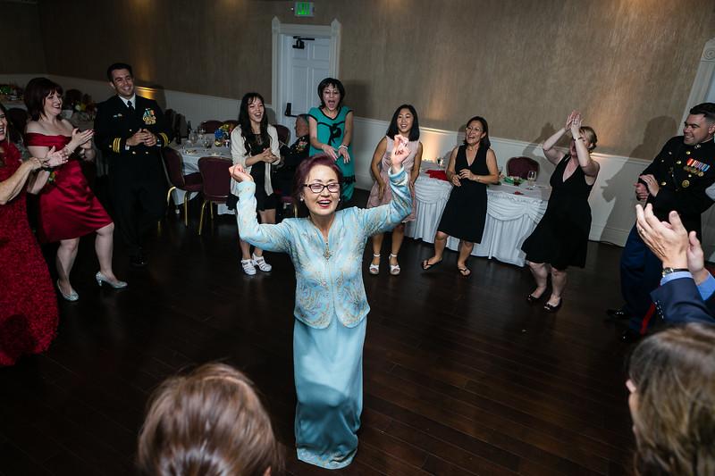 564-141004-emily-hoon-wedding-©8twenty8-Studios