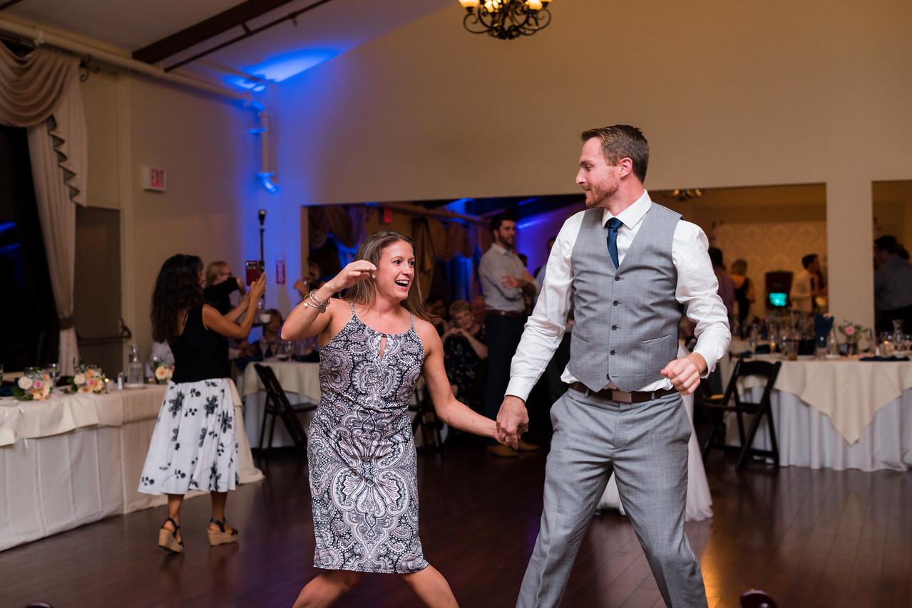 0743-161022-amanda-michael-wedding-8twenty8-studios