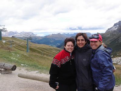Viv, Christina & Karen - Passo Pordoi