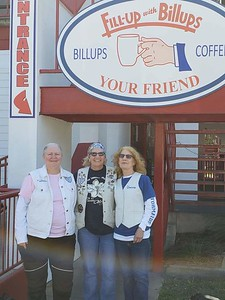 Brunch in Biloxi, October 2081 — with Donna Thompson and Yolie Donley.
