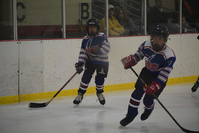 The Mt. Pleasant Patriots 10-under Squirt team beat Midland Friday 5-3. (Sun Photos by JIM LAHDE)