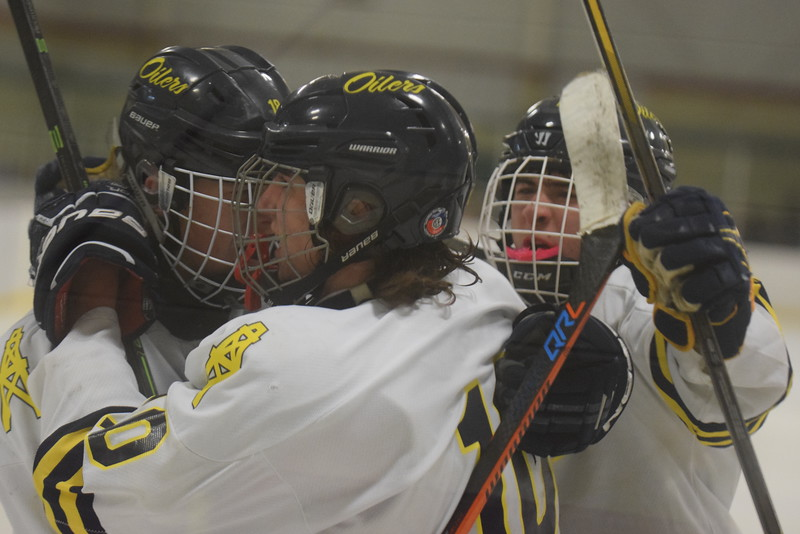 Mount Pleasant rallied for a 3-2 victory over Midland Wednesday night at I.C.E. Arena. It is the first time the Oilers have defeated the Chemics in their nine-year history. MIPrepZone Photos by Nate Schneider.