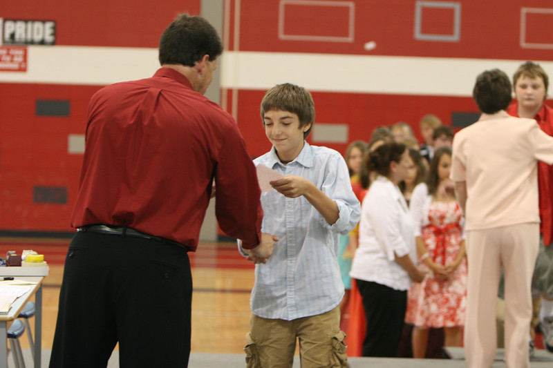 060807_MiddleSchoolGraduation_803