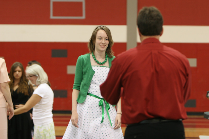 060807_MiddleSchoolGraduation_615