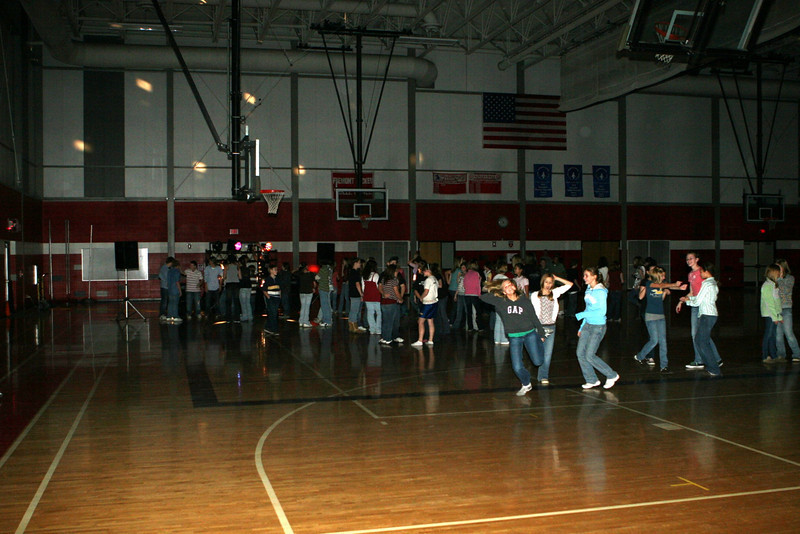 112108_7th&8thGrade_Dance_001