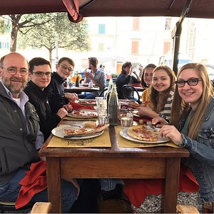 Fresh pizzas and outdoor seating in Piazza Santo Spirito, across the Arno.
