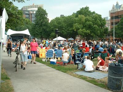 2003-07-31 Jazz in the Park, MSOE volunteers