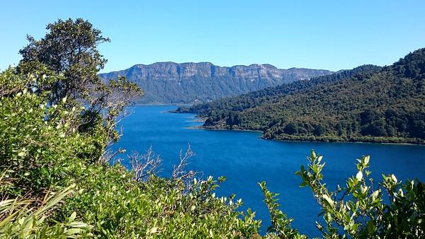 160109 Lake Waikaremoana bikepacking