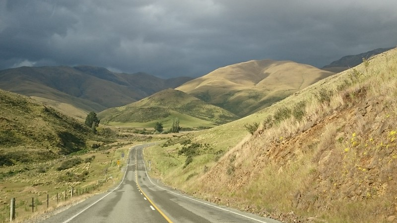 Driving over the Pigroot to meet the others in Ranfurly.
