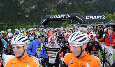 Start of the second 2012 CRAFT BIKE TRANSALP stage  Second stage led over 77.90 km and 3,274 meters in elevation from Imst, Austria, to Ischgl, Austria  Start area in Imst  © Craft Bike Transalp/Peter Musch