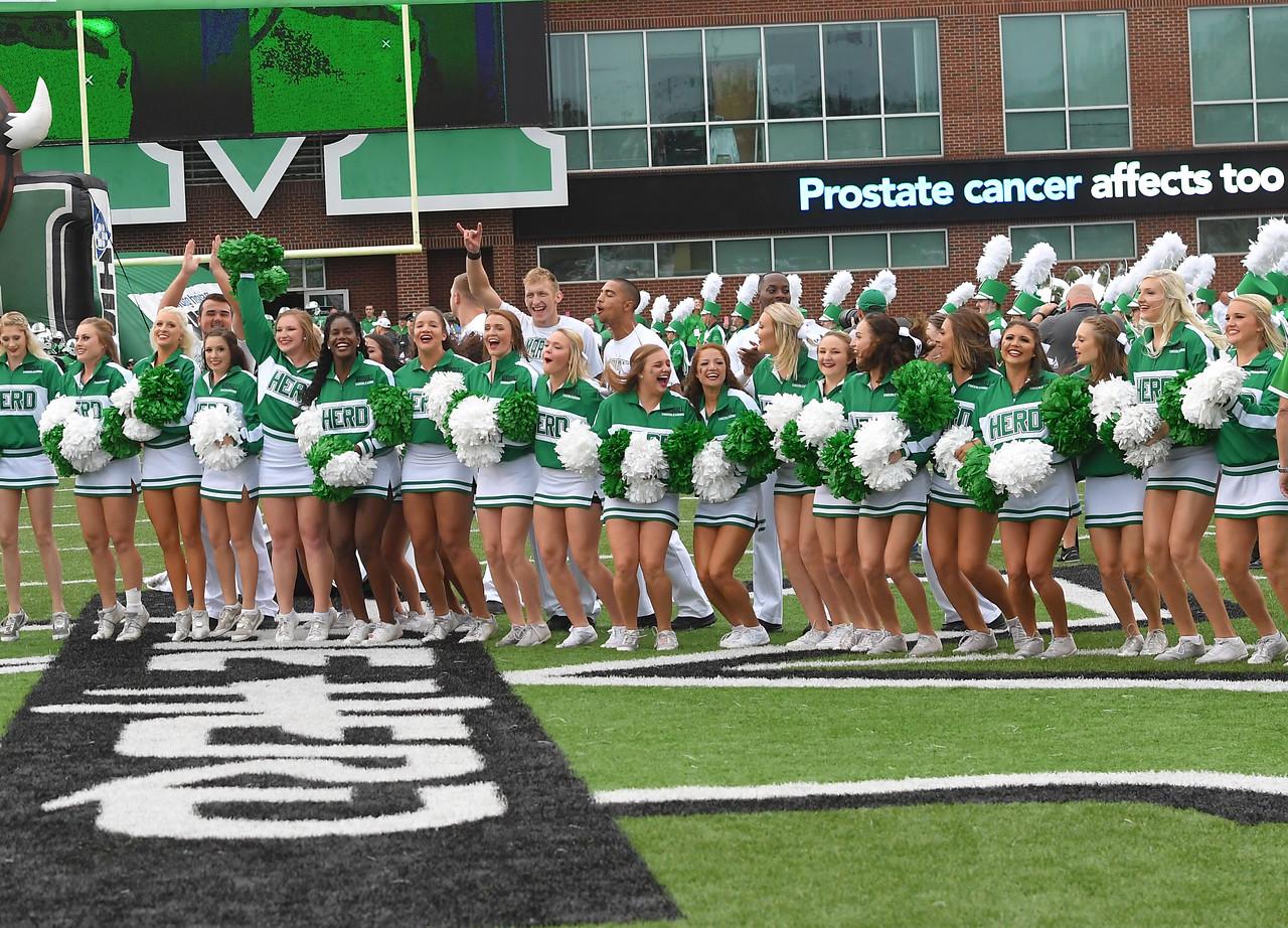 cheerleaders5