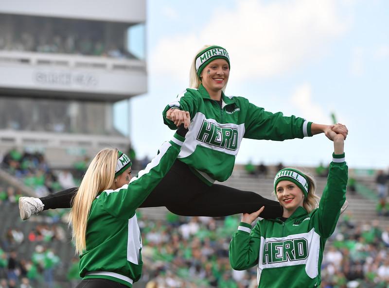 cheerleaders0735