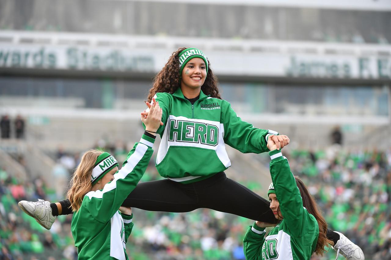 cheerleaders0733