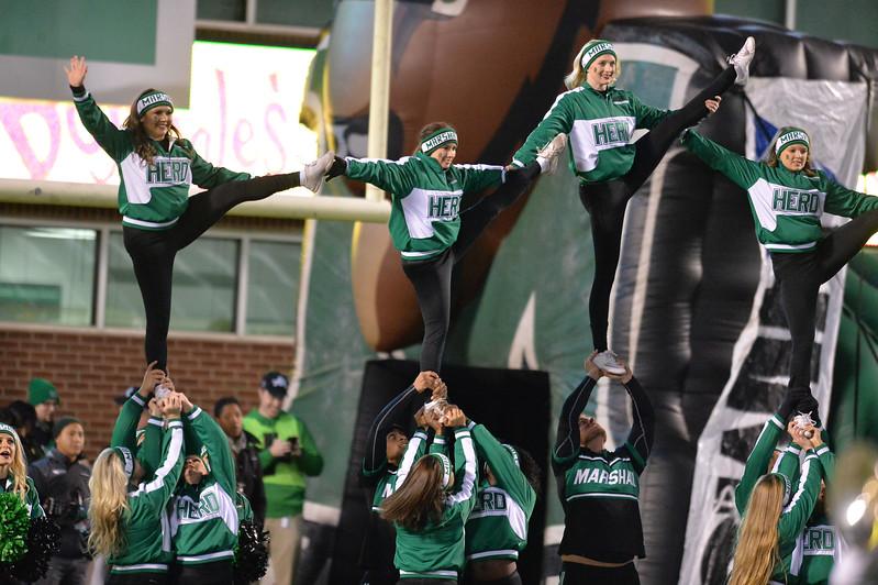 cheerleaders9725