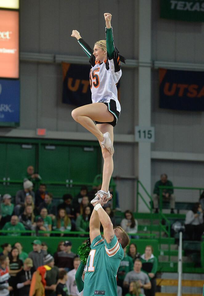 cheerleaders1645