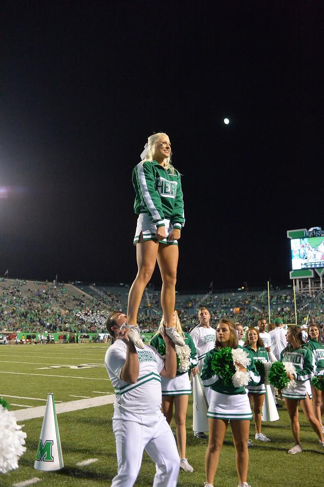 cheerleaders2692