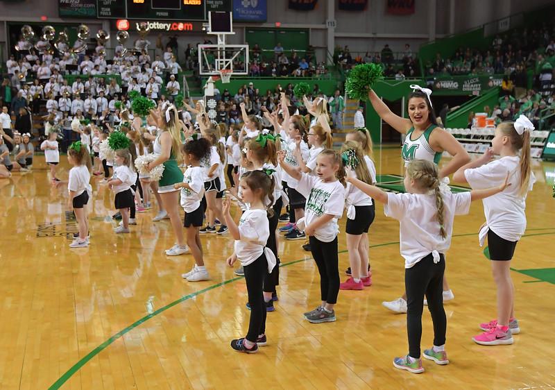 cheerleaders0082
