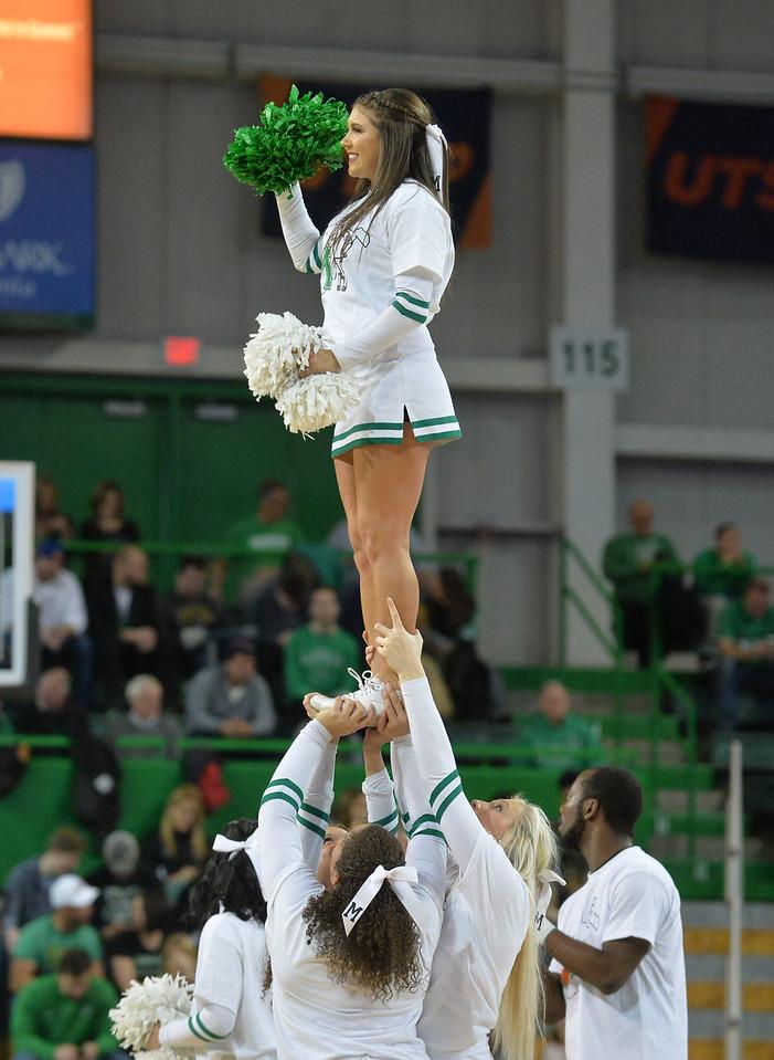cheerleaders2448