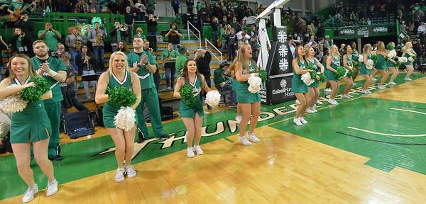 cheerleaders3602