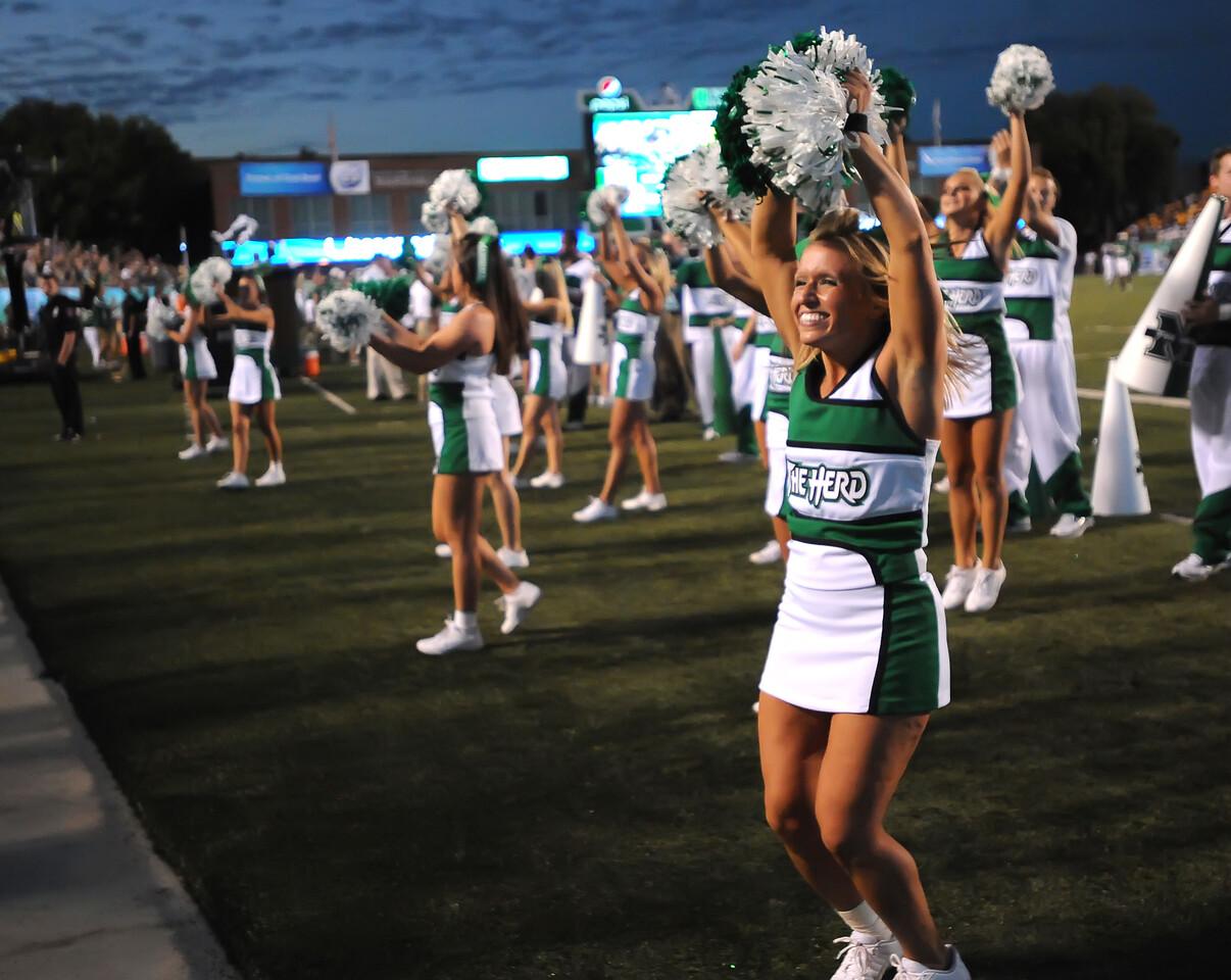 cheerleaders5290