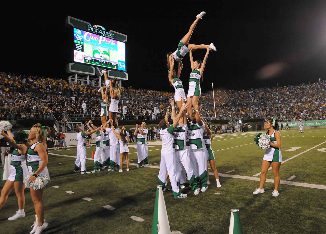 cheerleaders6116