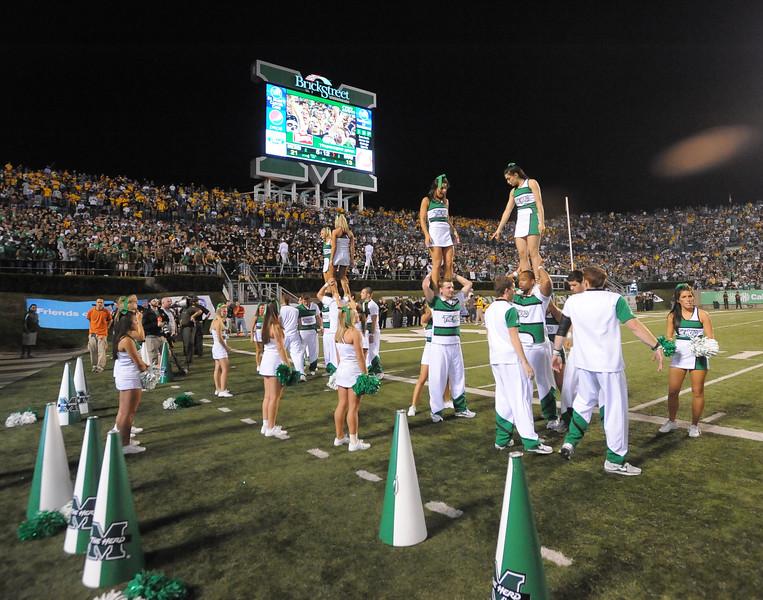 cheerleaders6099