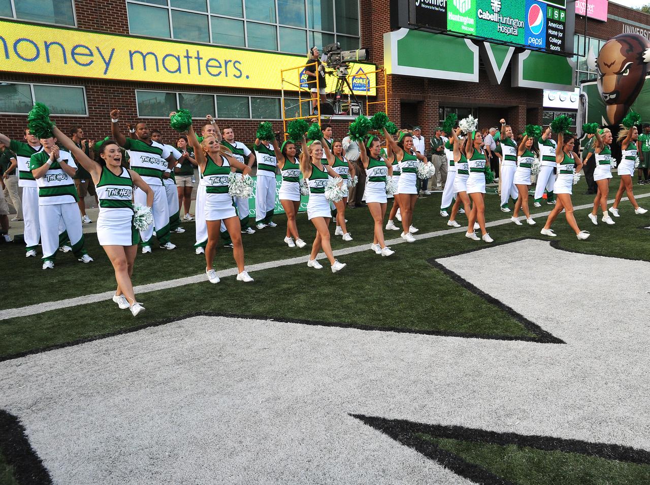cheerleaders4450