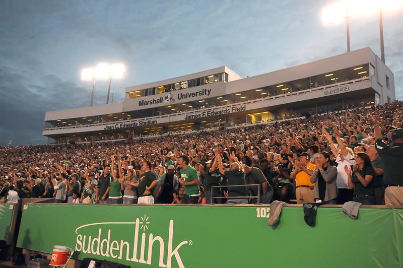 crowd5193
