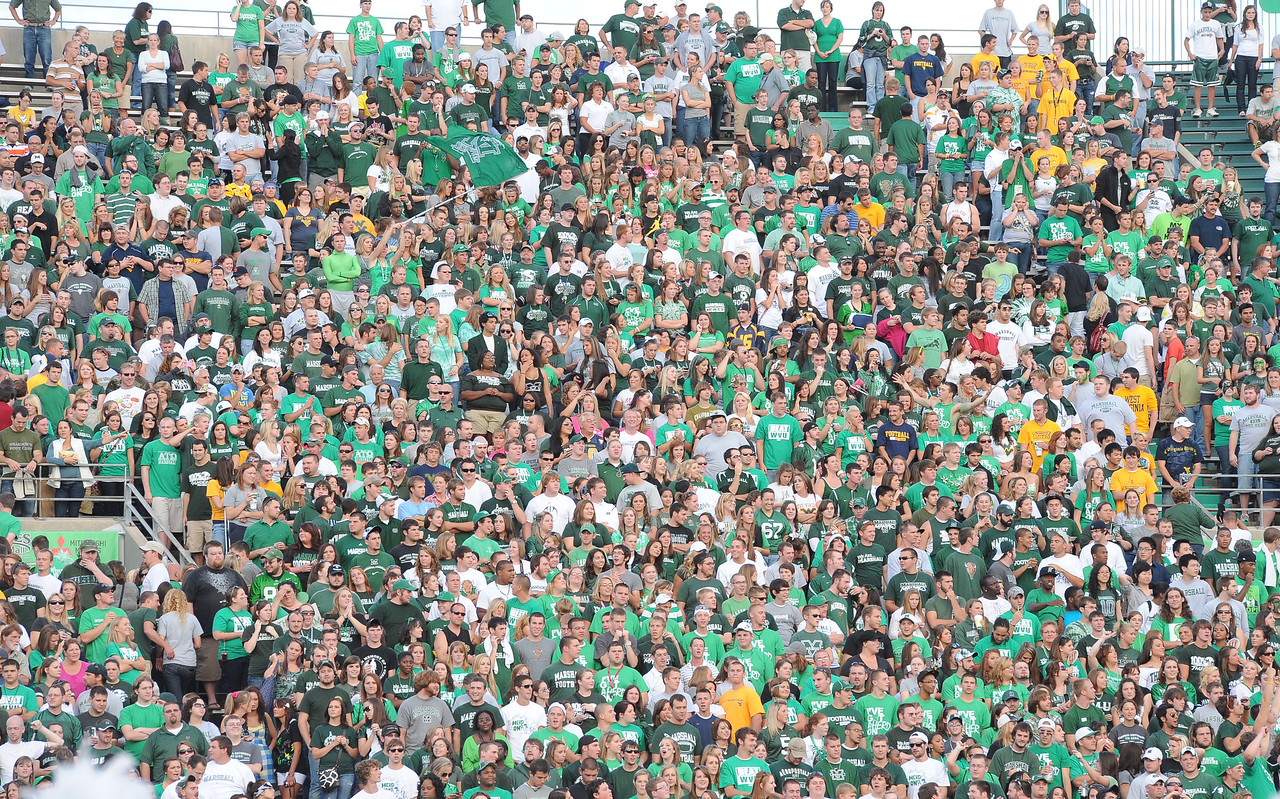 crowd4626