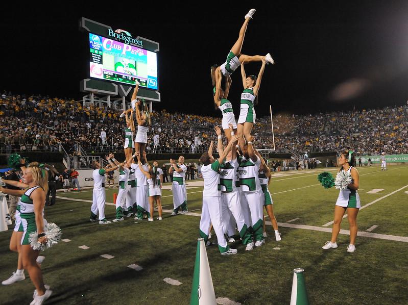 cheerleaders6115